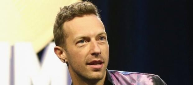 Tanti auguri a Chris Martin cantante dei Coldplay - inquisitr.com