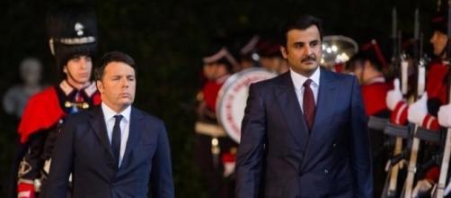 Matteo Renzi insieme all'emiro del Qatar