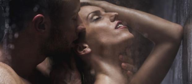 Casais que possuem encontros casuais ou que não possuem nada em comum, mas que se entendem muito bem na cama, possuem um relacionamento apenas sexual