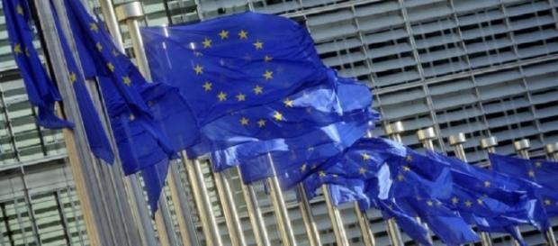 Sventolano le bandiere dell'UE, assecondando quali venti?