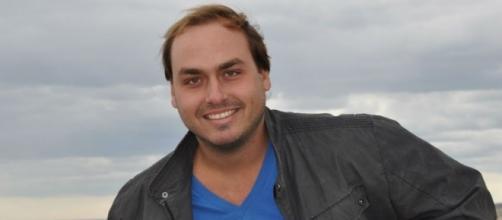 Carlos recebeu críticas pela sua publicação