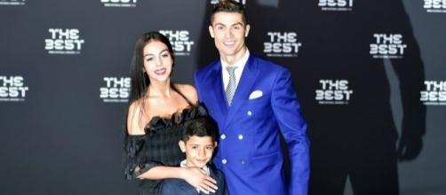 Cristiano, Cristiano Jr y Georgina Rodríguez en premios The Best