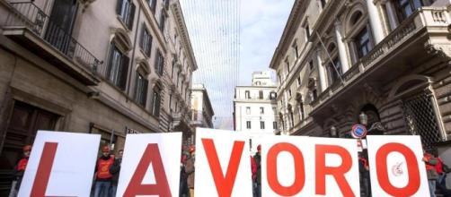 In Italia torna a crescere la disoccupazione.