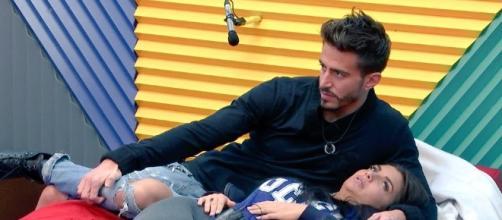 Marco y Elettra hablan en italiano. El super: Marc... | Twimage - twimage.net