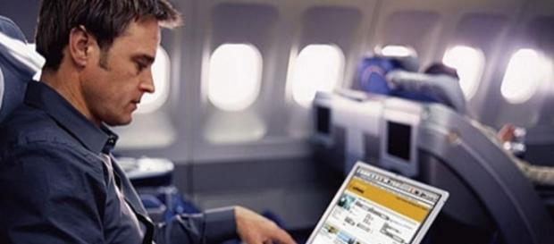Laptops y celulares descargados estarán prohibidos en vuelos a ... - elheraldo.hn
