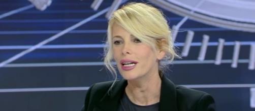 ISOLA DEI FAMOSI 2017: LA CONFERENZA STAMPA DI PRESENTAZIONE. IL ... - davidemaggio.it