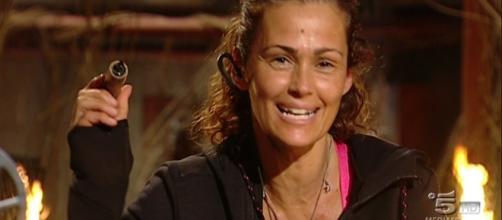 Isola dei Famosi: Samantha De Grenet isolata dal gruppo finisce in ... - melty.it