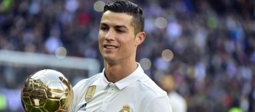 Real Madrid: Le futur maillot à fuité!