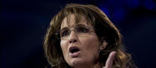 Sarah Palin Splits Open Her Head While 'Rock-Running,' Responds ... - huffingtonpost.com