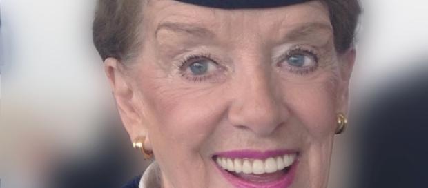 Beth Nash a mais velha comissaria de bordo do mundo