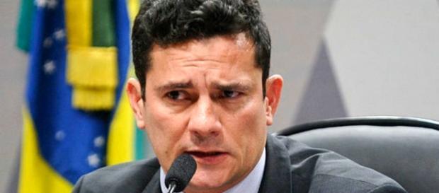 Blogueiro reclamou da condução coercitiva determinada pelo juiz Sérgio Moro
