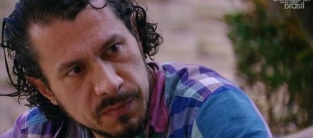 Rômulo foi eliminado do BBB17 e familiares de Marcos o apoiaram