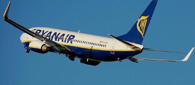 Ryanair mette in vendita 100 mila voli a 5 euro