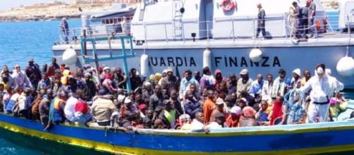 MIGRANTI, FRONTEX ACCUSA LE ONG: 'AIUTANO GLI SCAFISTI ... - blogspot.com