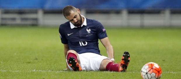 Karim Benzema s'agace de sa situation trouble en équipe de France.