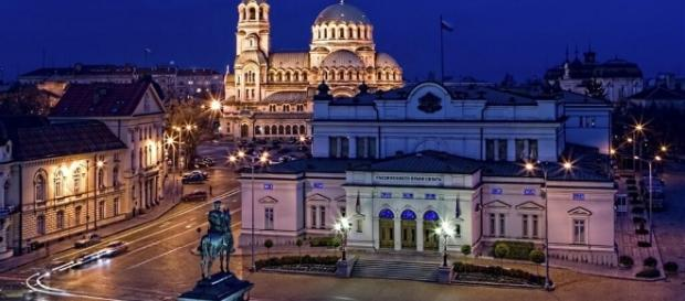 Veduta di Sofia, una delle 4 città proposte per break pasquali con voli a meno di 50 euro