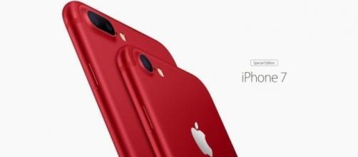 Red iPhone 7 via Youtube, iJustine channel https://www.youtube.com/watch?v=_wSXBkoCTzM