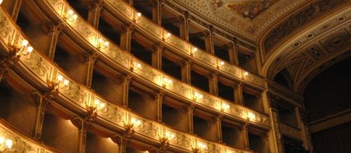 Un teatro d'opera come La Scala di Milano