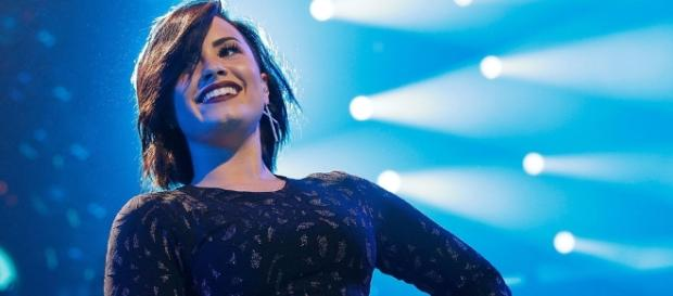 Demi Lovato Is Thoroughly Unfazed By Hackers Stealing Her Private ... - huffingtonpost.com