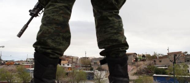 El Ejército realizaría tareas que corresponden a las corporaciones policiacas. scoopnest.com