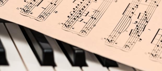 Elton John compie 70 anni: le sue canzoni più belle