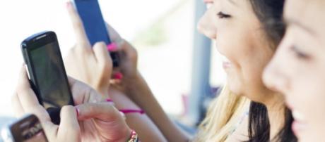 Coisas que você faz no celular e não admite