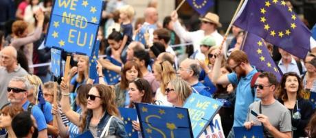 Foto delle precedenti manifestazioni susseguitesi alla Brexit