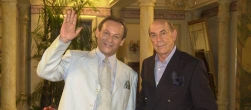 """José Wilker (à esq.) e Raul Cortez estão entre os atores e atrizes de """"Senhora do Destino"""" que já faleceram"""