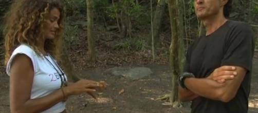 Isola dei Famosi: Samantha De Grenet e Giulio Base isolati dal gruppo
