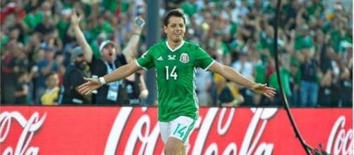 México venció, alcanzó el primer sitio del hexagonal y el Chicharito empató récord de Jared Borgetti, como máximos anotadores del Tri.