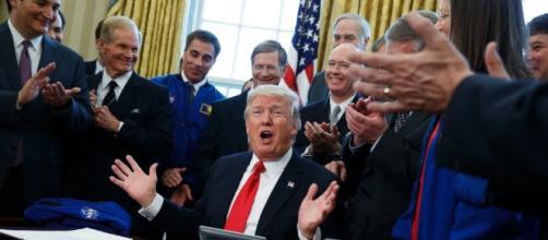 Trump signs NASA bill, ponders sending Congress to space - ABC News - go.com