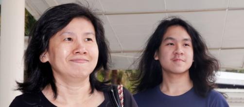US Judge Grants Asylum to Singapore Blogger - voanews.com