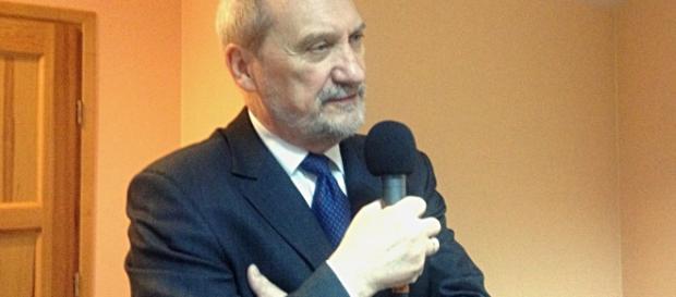 Czy Macierewicz zaapeluje o bojkot rosyjskiego Mundialu?