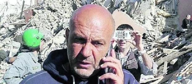 Il sindaco di Amatrice Sergio Pirozzi alla corte di Berlusconi