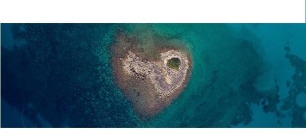 Quotidiano di Puglia - 'Scoperto' isolotto a forma di cuore