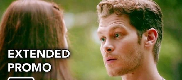The Originals 4x03: Klaus recuperando o tempo perdido com sua filha Hope (Foto: Youtube/CW)