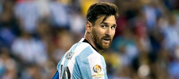 VIDEO : Quand Lionel Messi insulte l'arbitre