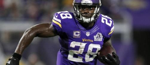 Adrian Peterson takes free agent visit to Seattle | Pro Football ... - profootballweekly.com