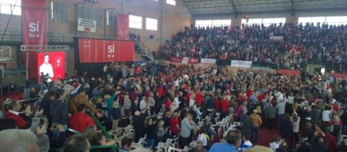 El PSOE con Pedro Sánchez llena el pabellón de Burjassot
