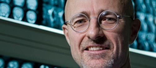 First Human Head Transplant Set For December 2017 - lolwut.com