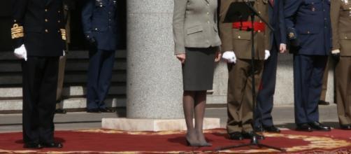 La ministra con almirante JEMAD saliente y el nuevo JEMAD general del ET.
