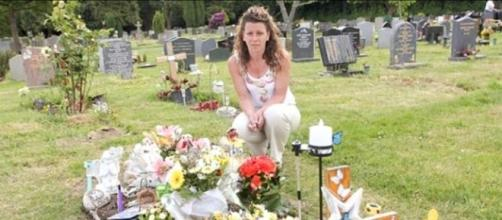 Mom Trying To Reinstate Son's Gravestone After Complaint - Photo: Blasting News Library - faithtap.com