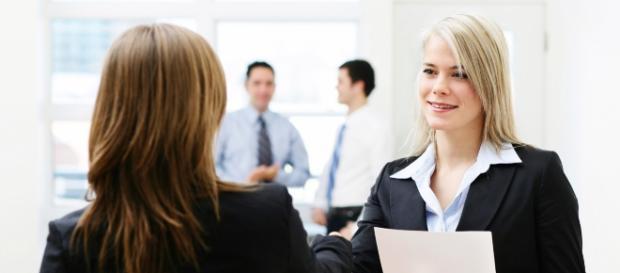 Algumas regras de comportamento e networking podem aumentar suas chances de conseguir a vaga almejada. (reprodução: web)