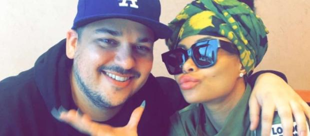 Blac Chyna Lifts Her Top to Flaunt Post-Baby Weight-Loss Results ... - extratv.com