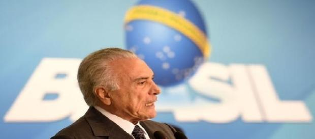 Temer e a 'destruição' política e econômica do Brasil