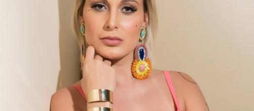 Andressa Urach desabafa após revista publicar suas fotos de 2012
