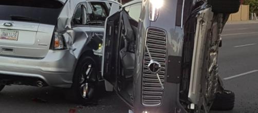 Uber suspends self-driving cars after Arizona crash - talevius.com