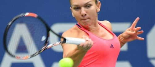US Open: Simona Halep beats Safarova, Zhang topples Stosur ... - eurosport.com