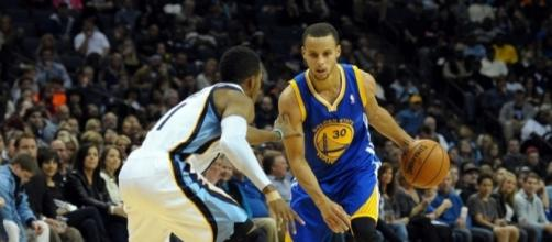 Warriors vs Grizzlies: A close duel between these two elite guards however it was Curry that delived the final dagger - sircharlesincharge.com