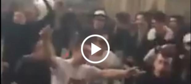 Młodzi Europejczycy urządzili sobie z kościoła parkiet taneczny.